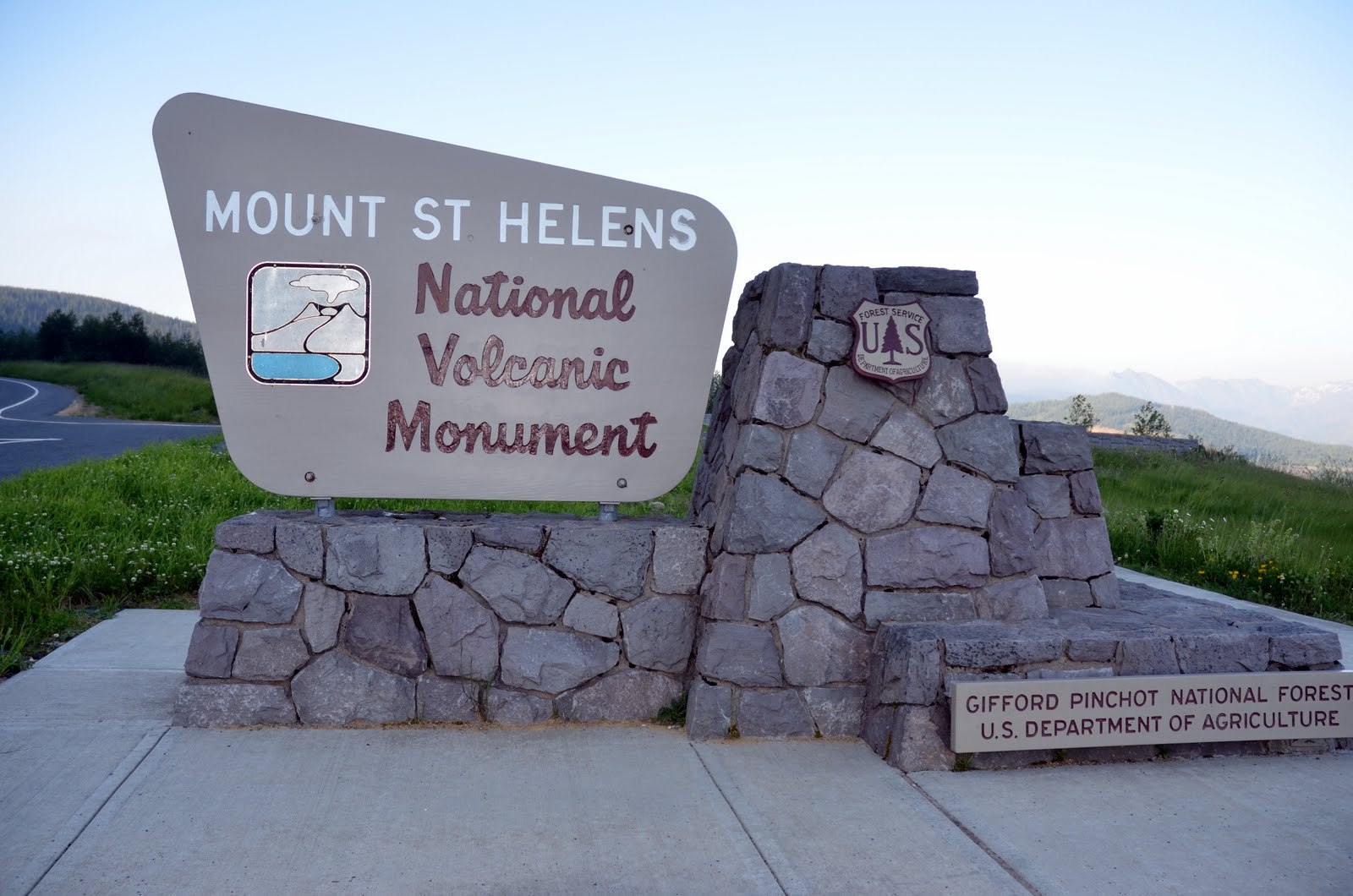Mt Saint Helens Monument